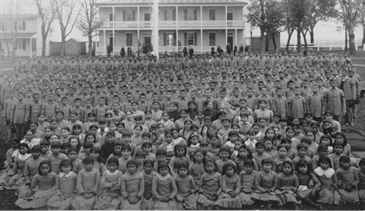 Pratt Pupilsin Frontof Pratts 'Quarters Carlisle Indian School 1885L